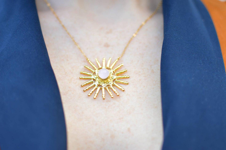 Ottoman Hands rose quartz necklace