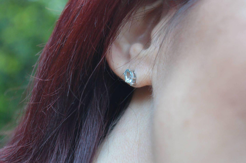 Browns aquamarine and diamond stud earring
