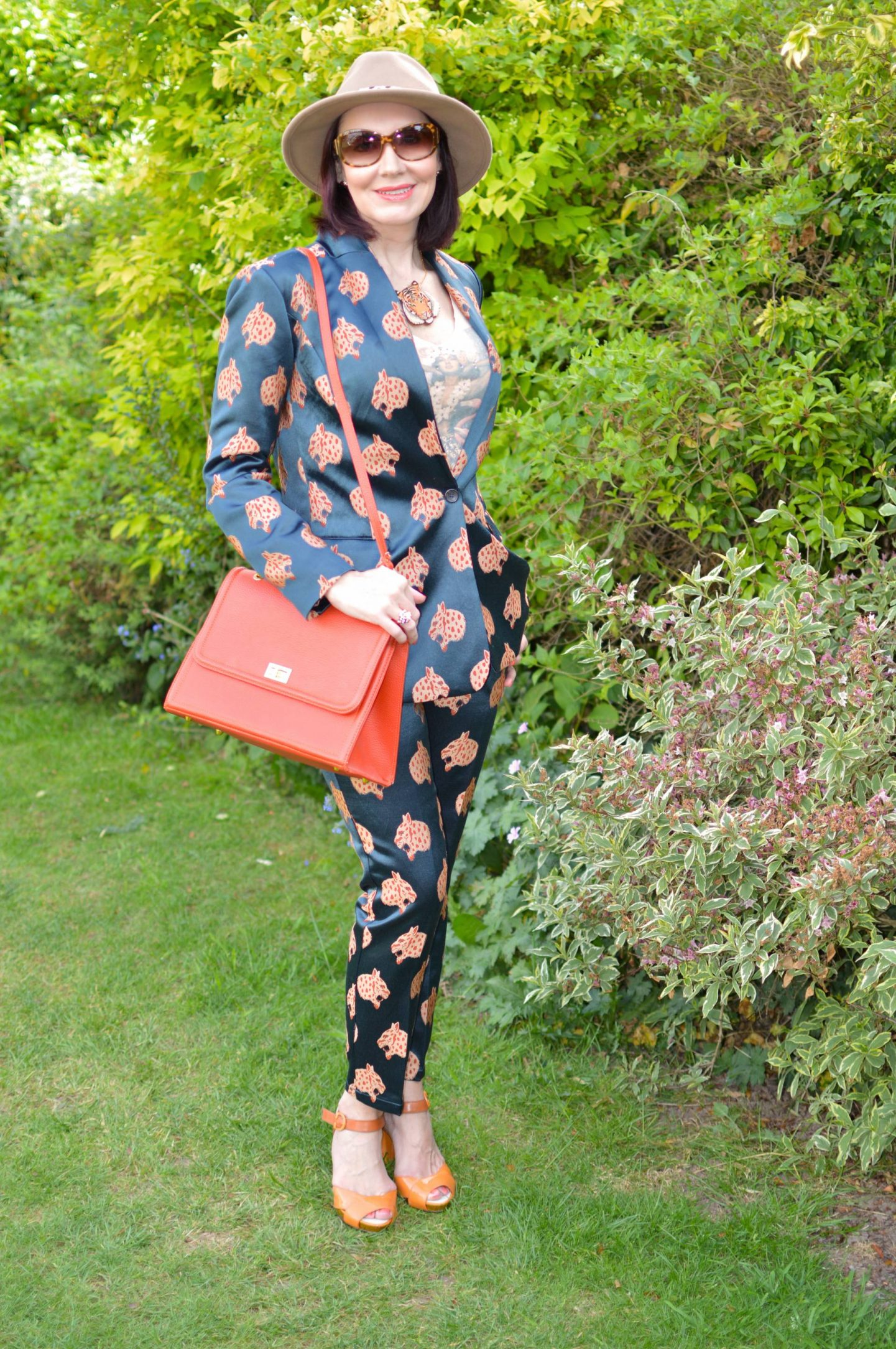 Welcome to the Jungle - May's Style Not Age, Scotch & Soda snow leopard suit, Palava tiger necklace