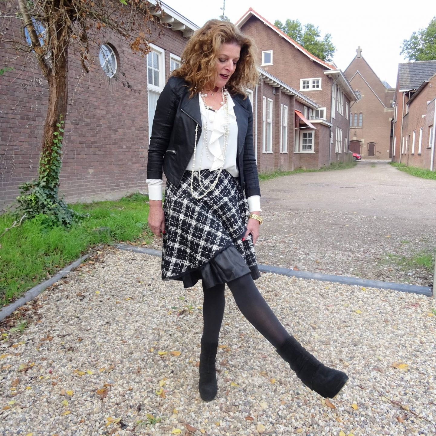 Check Out Preloved Fashion - The Thrifty Six October Challenge, Nancy's Fashion Style