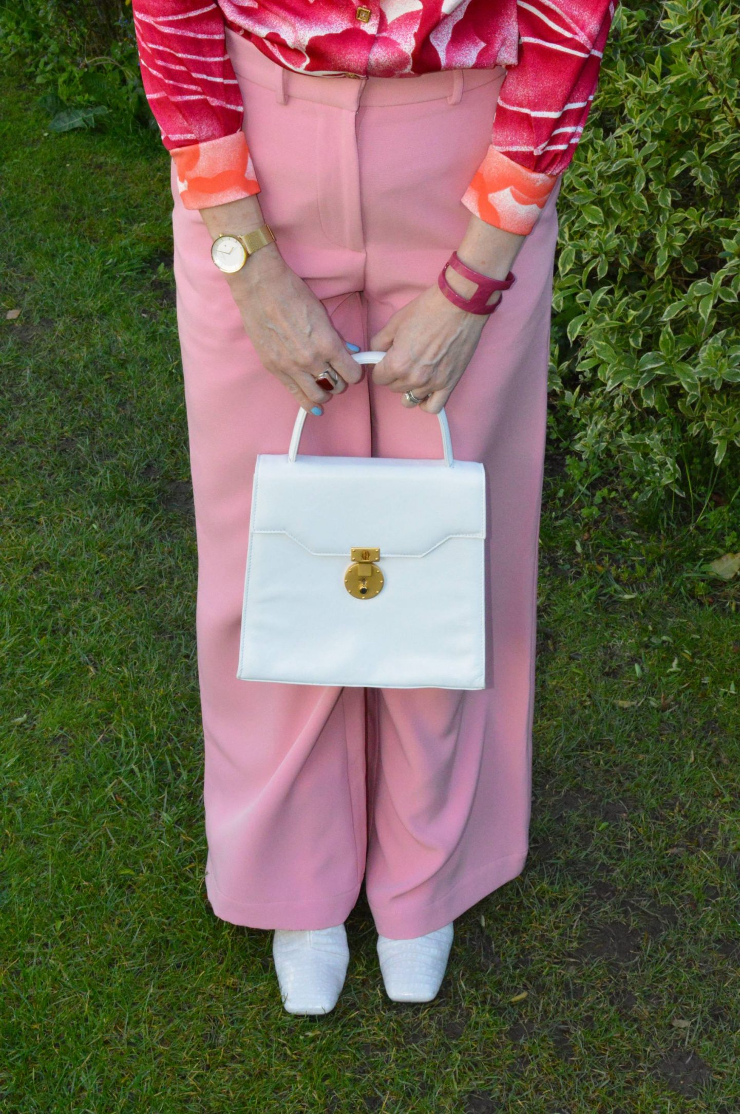 white top handle handbag, white square toe boots