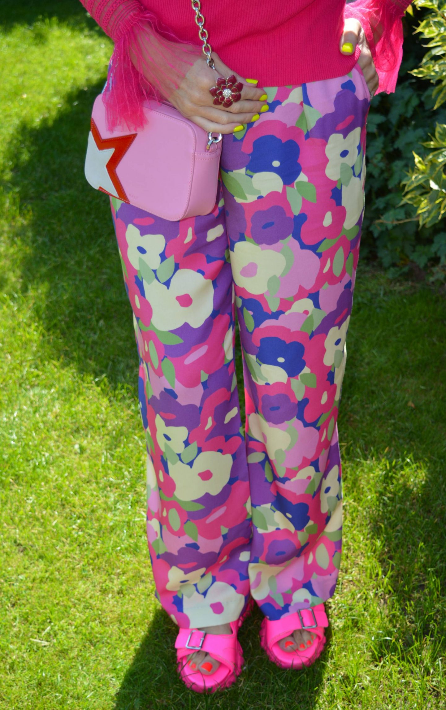 Monki purple print trousers, River Island pink cat eye sunglasses, Asos pink sporty mules, Nali pink camera bag
